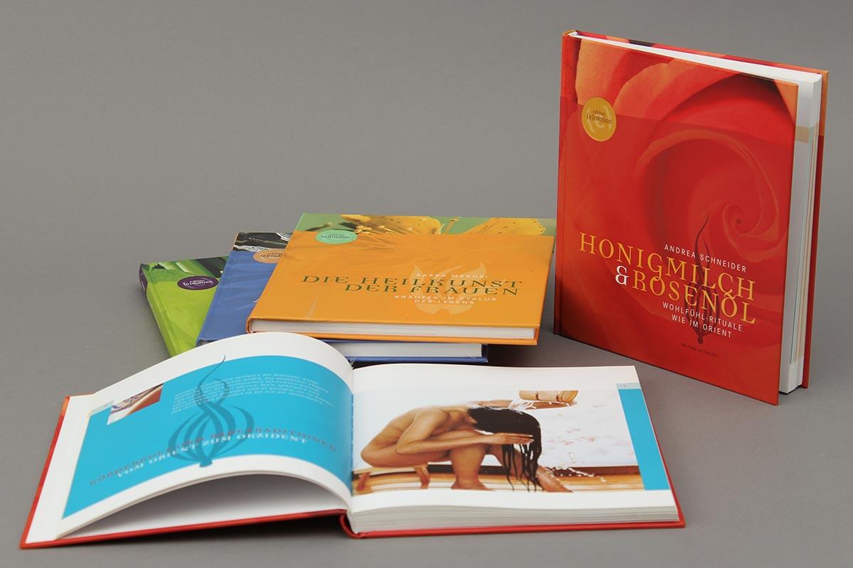 """Das Buch """"Honigmilch und Rosenöl"""" von Andrea Schneider aus der Reihe {e}motion. Alle."""